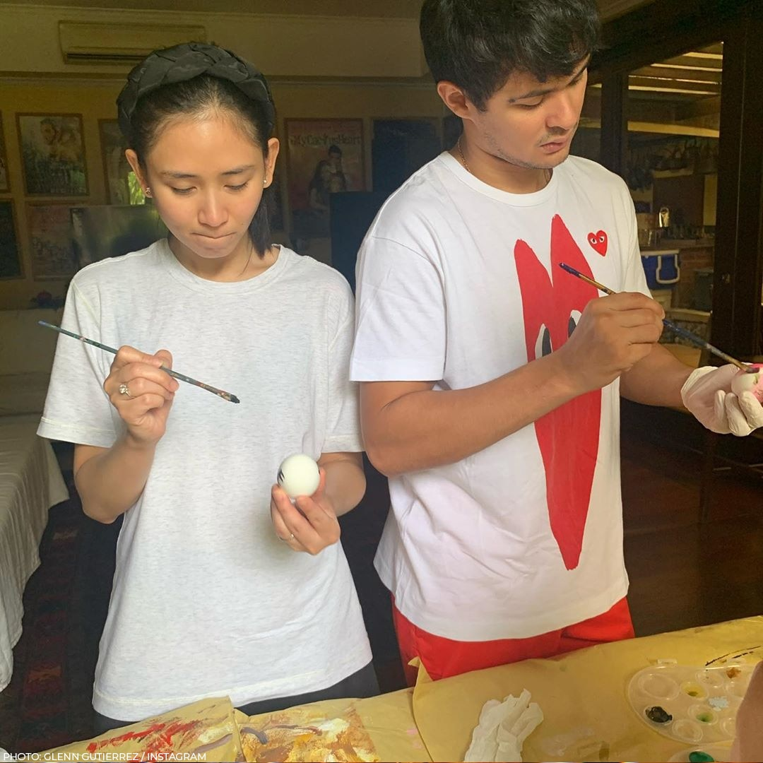 Sarah and Matteo Guidicelli painted Easter eggs
