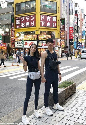 Maxene and Rob's matching outfits in Tokyo! 2
