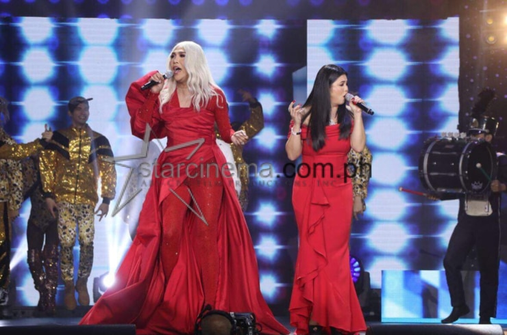 Kapamilya stars at the ABS-CBN Christmas Special 1