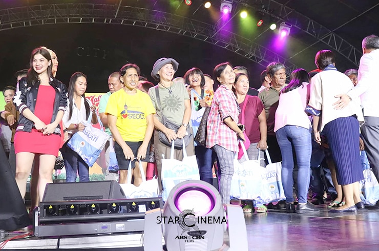 IN PHOTOS: 'M&M: The Mall, The Merrier' cast bring a fun-filled Chugug Paskuhan in Makati 30