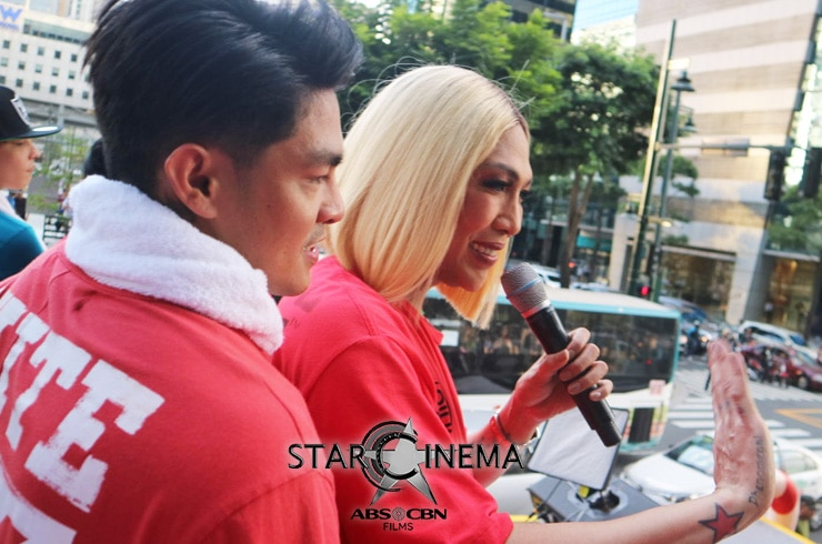 PHOTOS: 'M&M: The Mall, The Merrier' cast dazzle at the MMFF 2019 Float Parade! 02