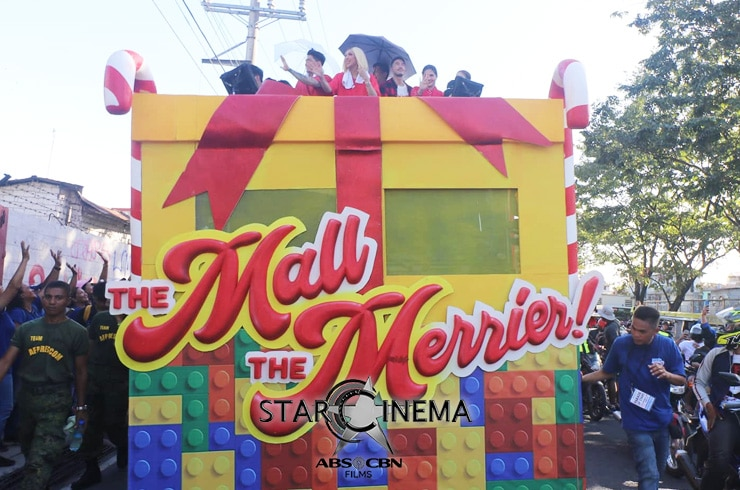 PHOTOS: 'M&M: The Mall, The Merrier' cast dazzle at the MMFF 2019 Float Parade! 04