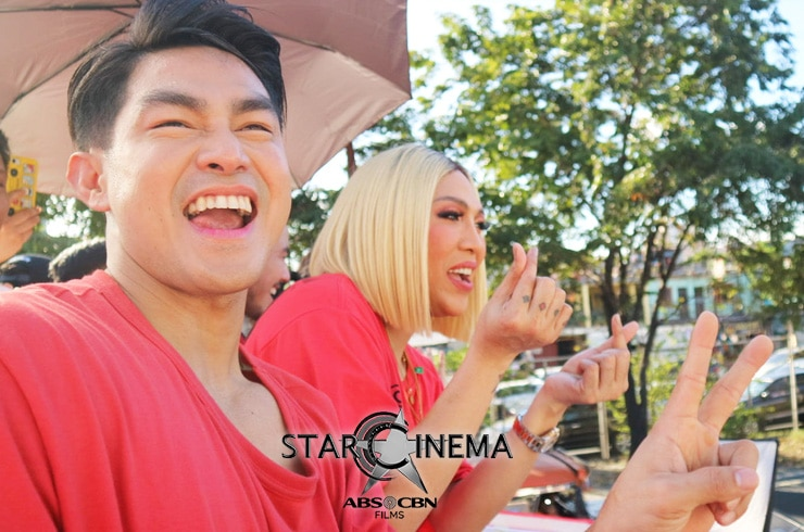 PHOTOS: 'M&M: The Mall, The Merrier' cast dazzle at the MMFF 2019 Float Parade! 06