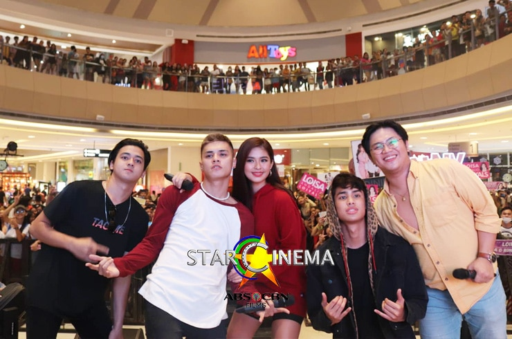 'James and Pat and Dave' Vista Mall Taguig
