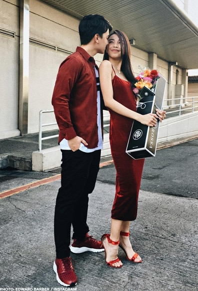 Edward gave Maymay a bouquet of flowers
