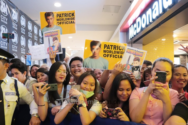Happy Hearts Tour goes to SM Bacoor