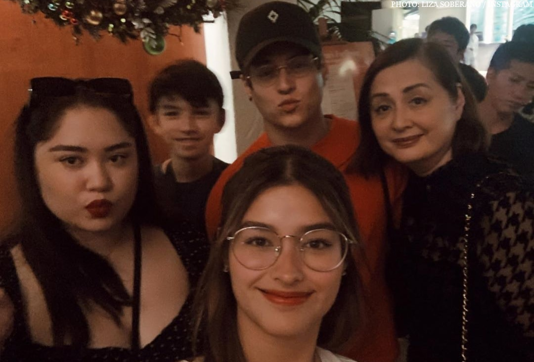 LizQuen in Hawaii