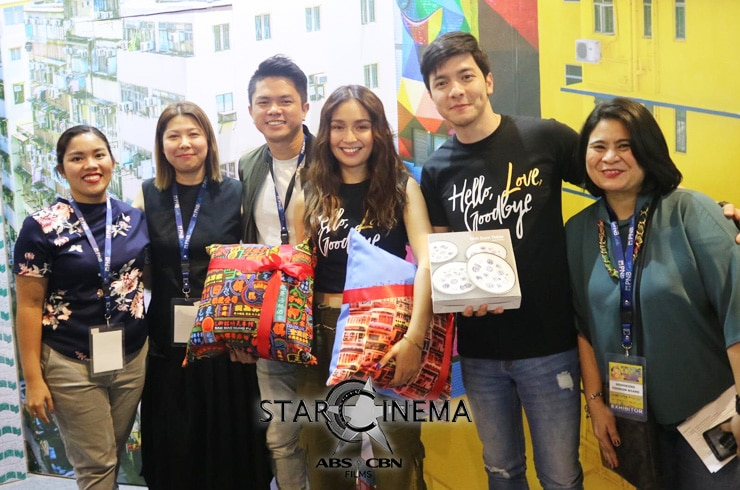 Kathryn and Alden at Travel Madness Expo 2019 04