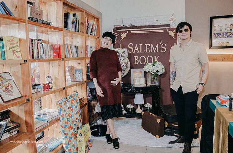 All the photos from Chynna's library-themed baby shower! 13