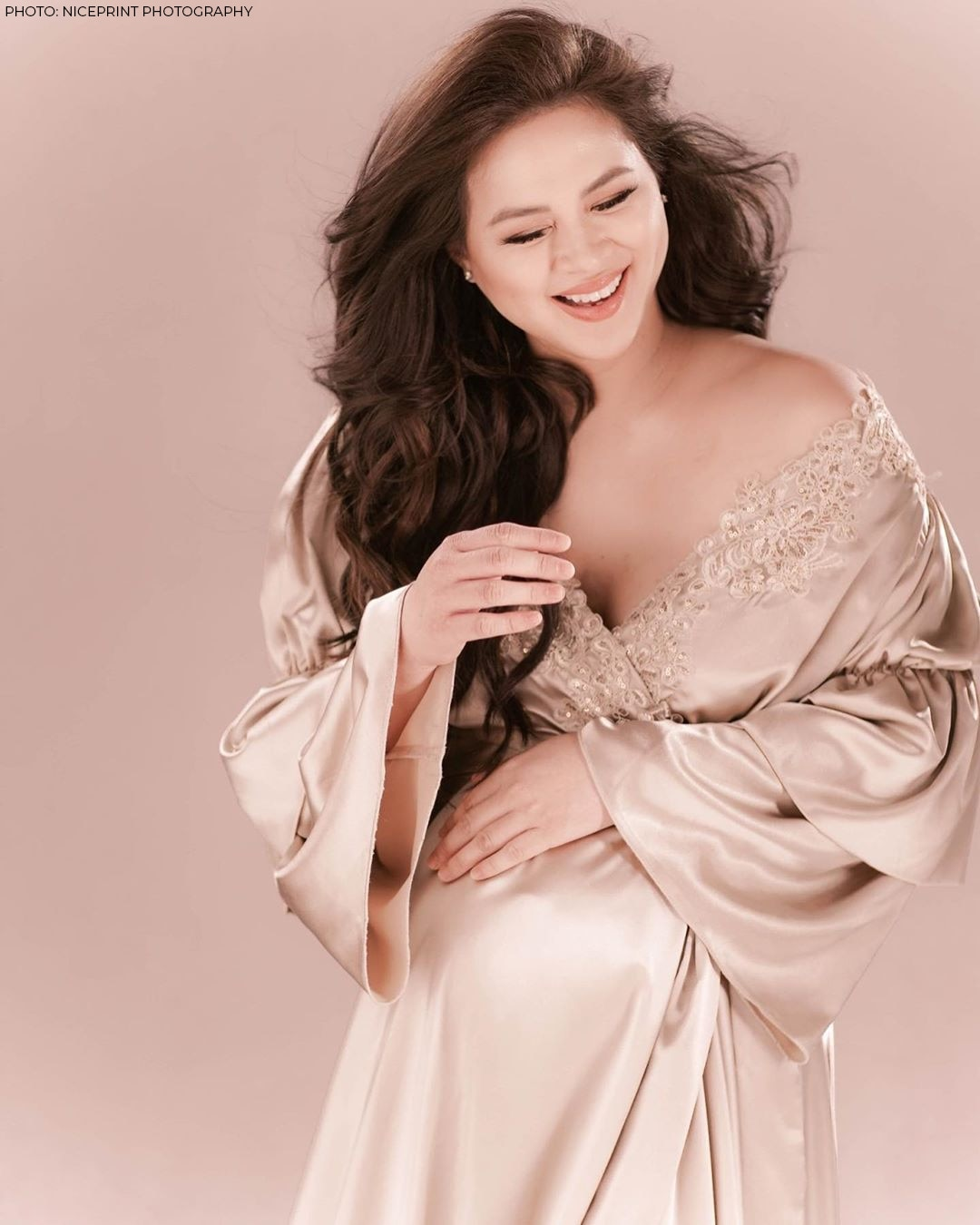 Lara Quigaman is glowing in her maternity shoot!