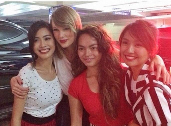 Kathryn Bernardo with Taylor Swift