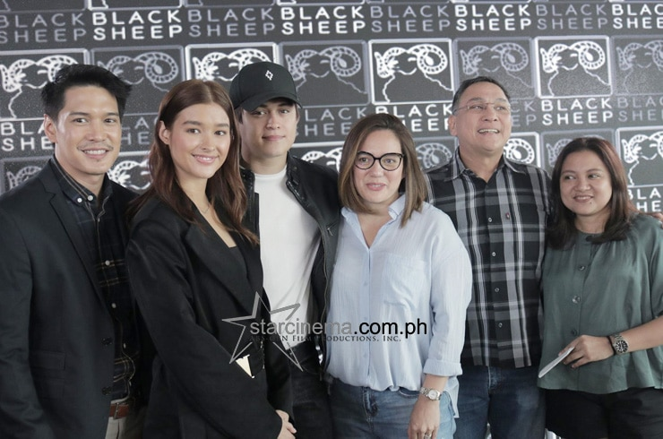 LizQuen at the 'Alone/Together' Thanksgiving Lunch! 18