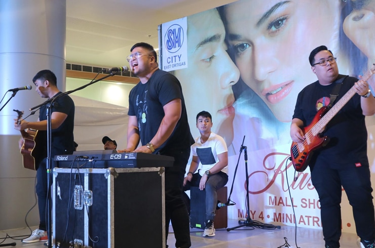 'Kasal' SM East Ortigas mall show 9