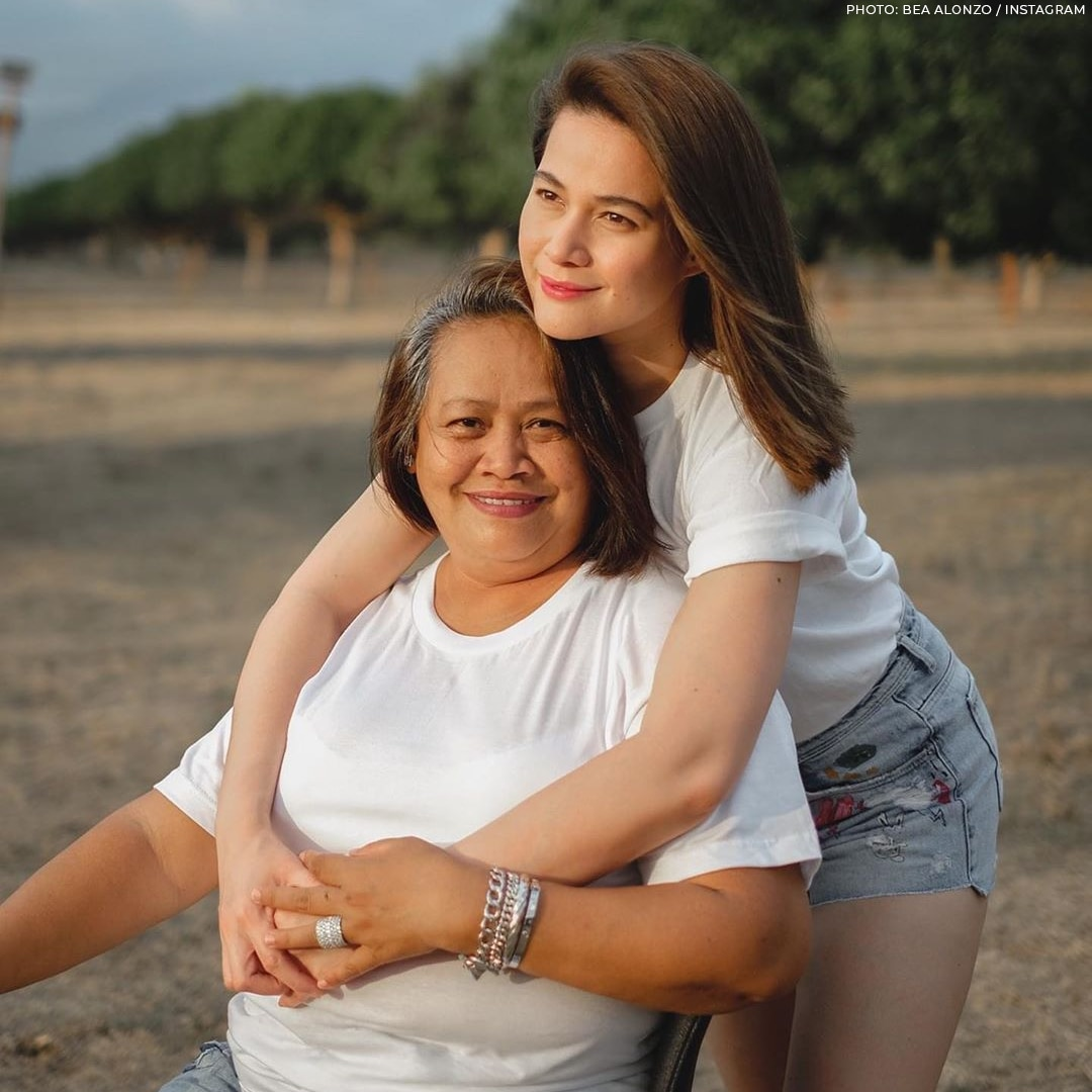 Bea Alonzo and her Mom Mary Anne
