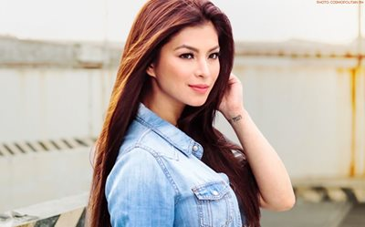 Lucky fan's 'Miss Angel' dance cover gets noticed by Angel Locsin!