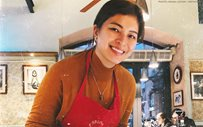 Angel Locsin makes her own pizza in Rome!