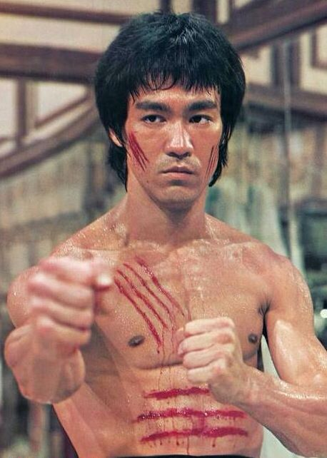 King of Kung Fu Bruce Lee died at the age of 32 due to cerebral edema or brain swelling, caused by a reaction to the prescription painkillers he took.