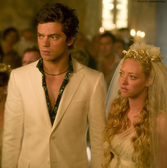 Sophie (Amanda Seyfried) and Sky (Dominic Cooper) in
