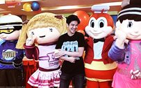 Joshua Garcia celebrates his birthday with a kiddie party!