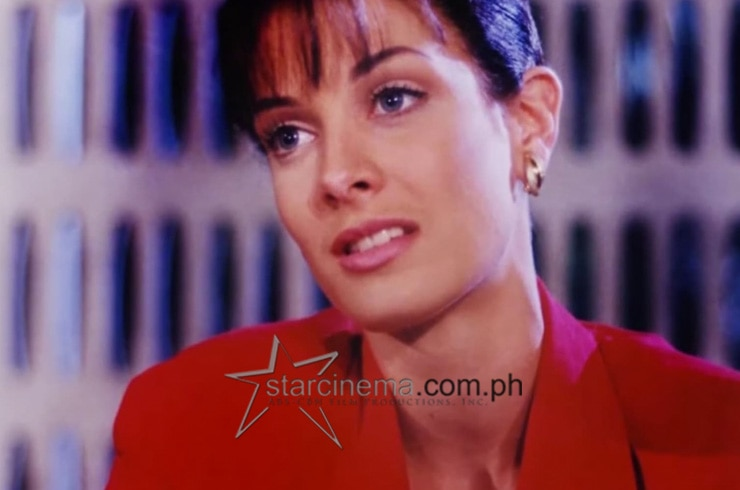 Dayanara Torress was Anna Alvarado in 1995's