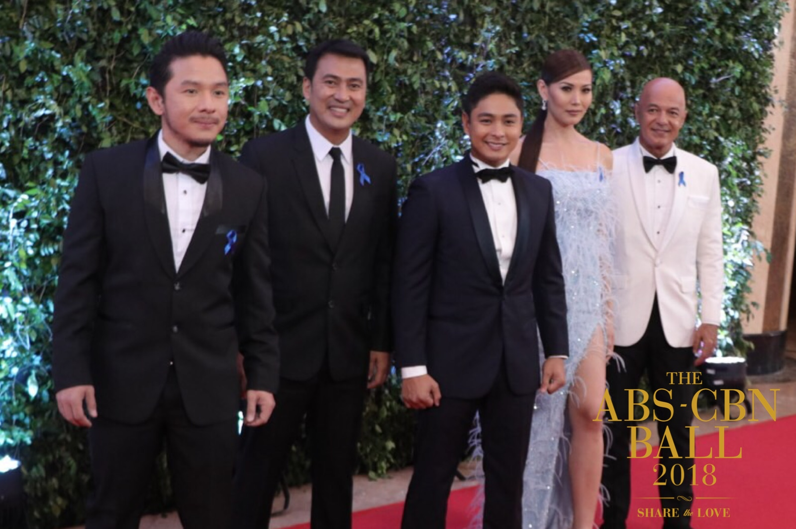 Coco Martin with Marc Solis, Mark Lapid, Bianca Manalo, and Michael de Mesa