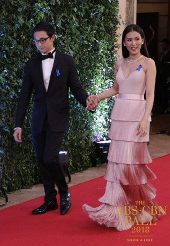 Alex Gonzaga arrives with her man, Mikee Morada.