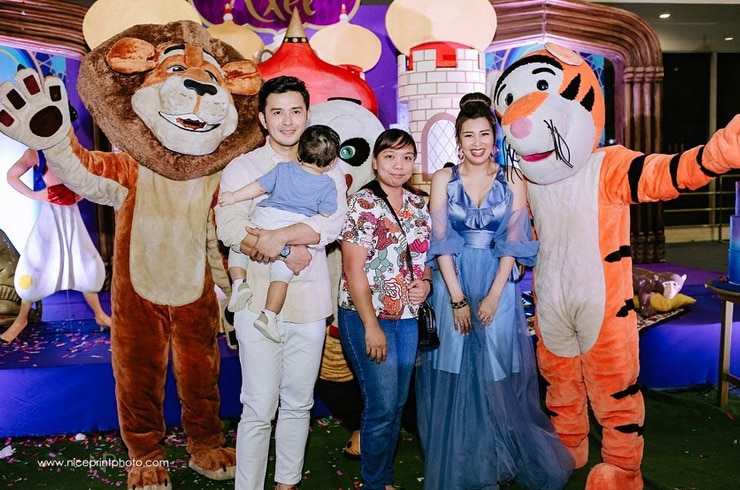 "Baby Axel's ""Aladdin""-themed first birthday party! 16"