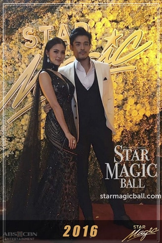Kim and Xian's dazzling looks and outfits through the years 5