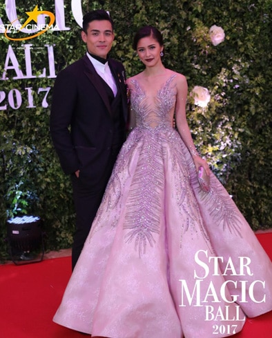Kim and Xian's dazzling looks and outfits through the years 6