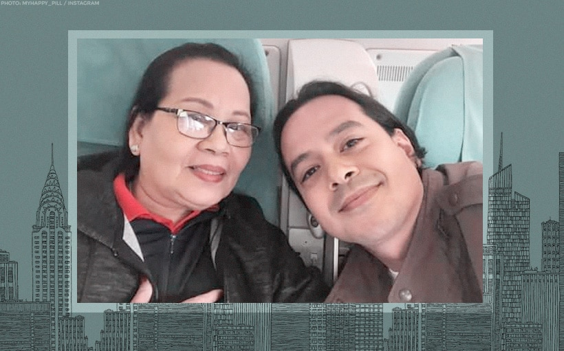 John Lloyd spotted in a flight to New York!